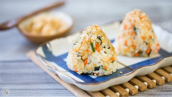肉松虾皮烤饭团