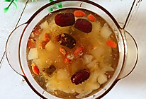 桃胶雪燕银耳雪梨汤的做法