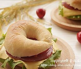 #百吉福芝士片创意早餐#原味贝果三明治的做法