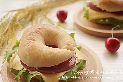 #百吉福芝士片创意早餐#原味贝果三明治