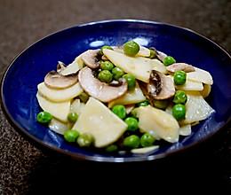 春天的味道-豌豆蘑菇炒春笋的做法