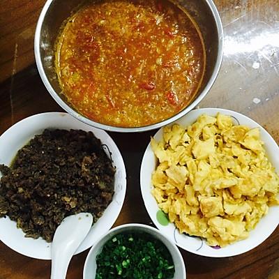 蕃茄牛肉鸡蛋面的做法 步骤5