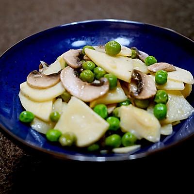 春天的味道-豌豆蘑菇炒春笋