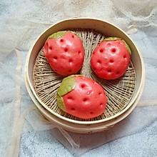 草莓豆沙包