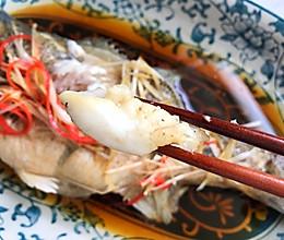 清蒸鲈鱼时,放盐和料酒都不对?厨师长教你正确做法,太香了的做法
