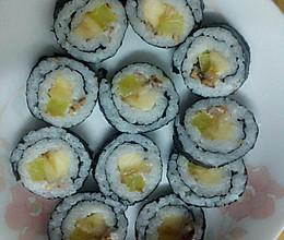 自制简易香蕉沙拉寿司的做法