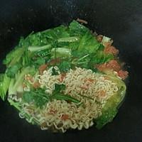 无敌开胃健康的番茄青菜面的做法图解4