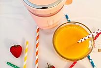 #带着零食去旅行!#芒果菠萝汁的做法