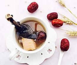 养血补气:榴莲乌鸡汤的做法