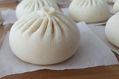 蒜蓉酱肉包(附详细捏包子法)