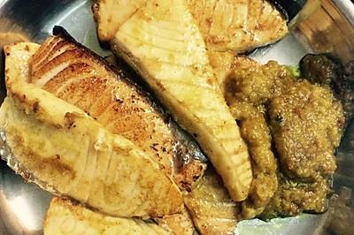 黄绿三文鱼