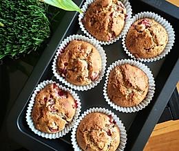 无面粉草莓杯子蛋糕的做法