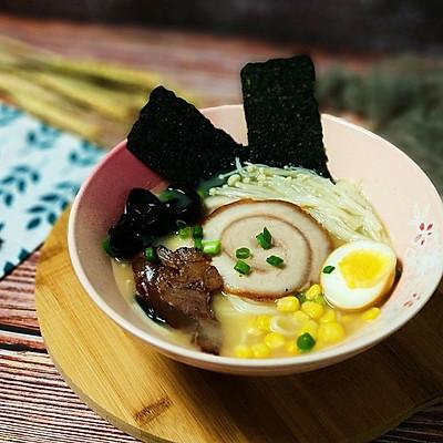 日式豚骨拉面(四个小时的美味)
