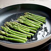 三文鱼金针菇卷佐黑椒芦笋#宜家让家更有味#的做法图解7