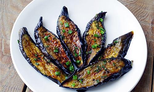 零油烟:烧烤茄子的做法