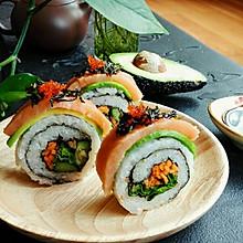三文鱼鳄梨反卷寿司