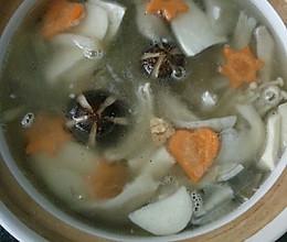 鱼宝宝私房食谱~鲜美杂菇煲的做法