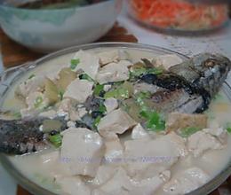 鲫鱼炖豆腐的做法