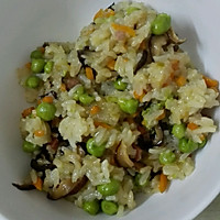 熏肉豌豆糯米饭(电饭煲版)