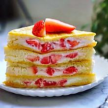 【酸奶草莓爆浆吐司】
