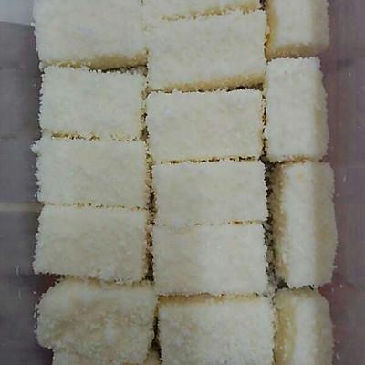 椰丝奶油小方糕