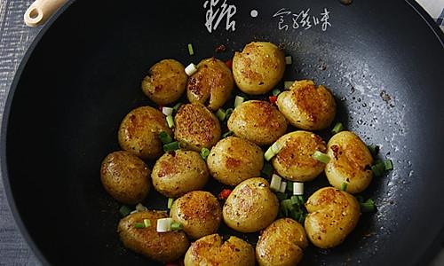 肉汁脆皮小土豆的做法