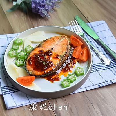 黑椒汁三文魚扒