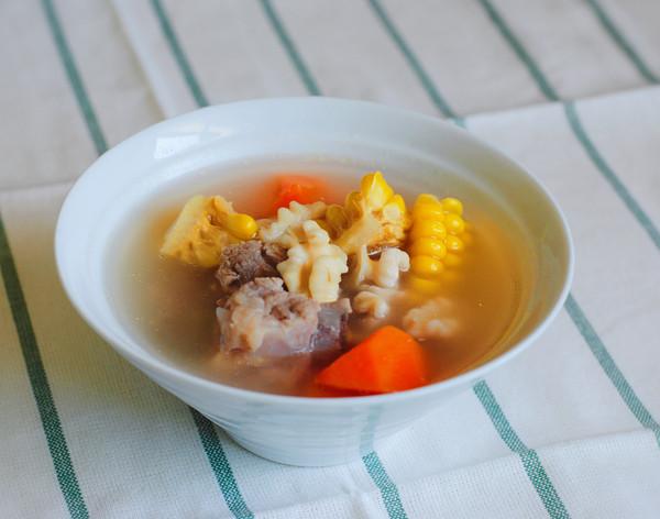 核桃玉米排骨汤的做法