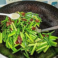 腊肠炒蒜苔的做法图解7