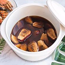 吃螃蟹就应该来一杯暖暖的热黄酒啊