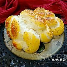 超软炼乳辫子面包