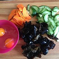 黄瓜木耳炒鸡蛋的做法图解3