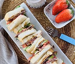 春日早餐~生吐司牛肉三明治#餐桌上的春日限定#的做法
