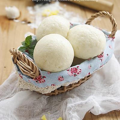 广式甜点奶黄包