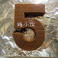【***主题翻糖蛋糕】给男孩子的18岁成人礼蛋糕的做法图解3