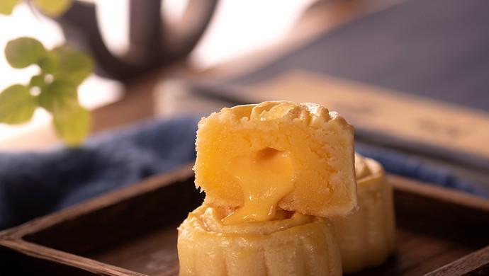 超越美心的流心奶黄月饼