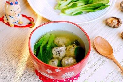 鸡毛菜香菇肉丸汤