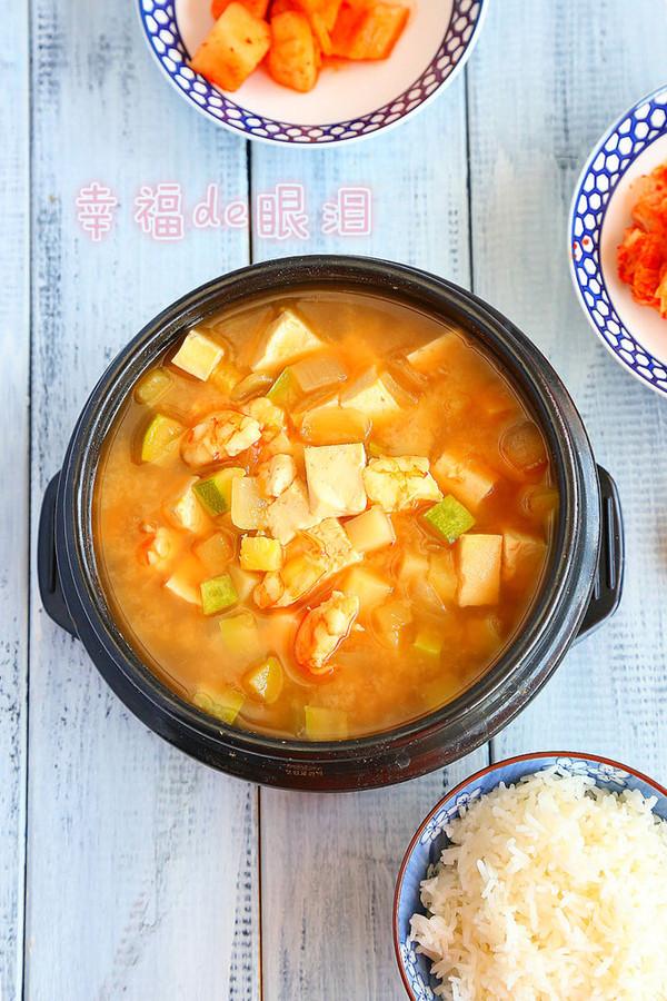 韩国百姓日常餐桌必不可少的大酱汤