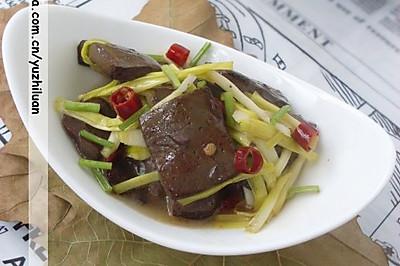 蒜黄炒血豆腐