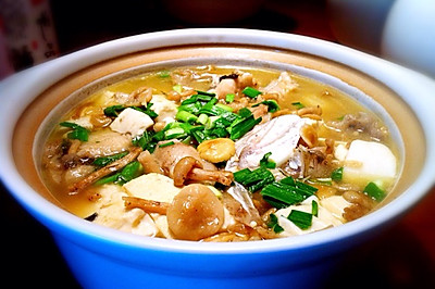 鱼头豆腐煲