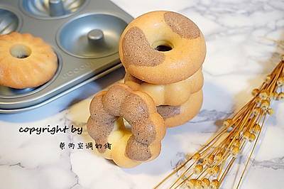 双色甜甜圈#厉害了我的零食#