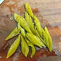 #今天吃什么#午餐肉炒腌辣椒的做法图解1