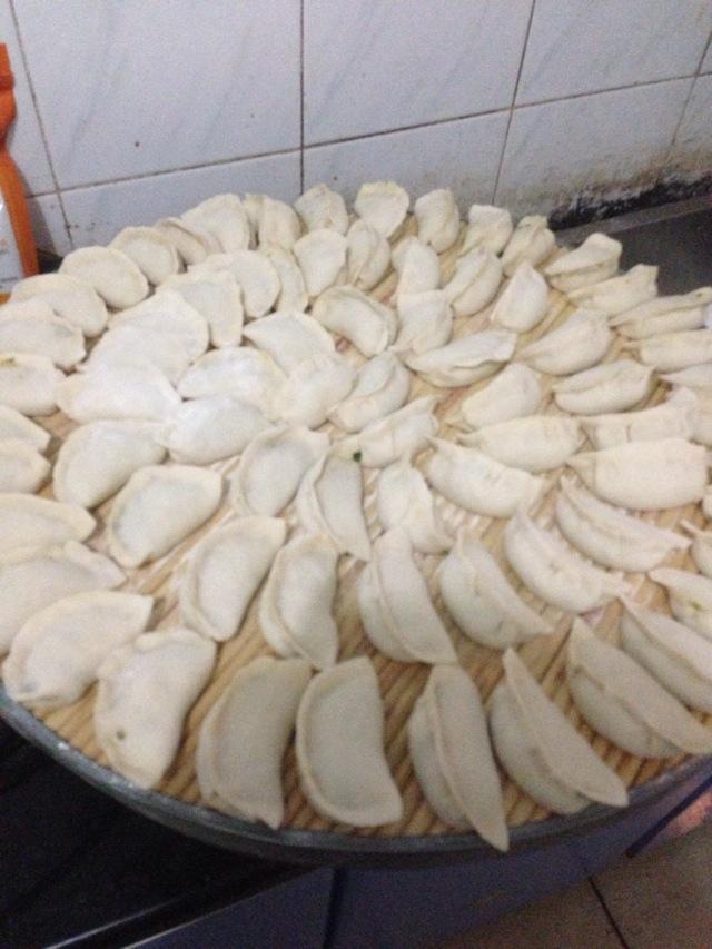 包饺子的步骤_窝瓜馅饺子怎么做_窝瓜馅饺子的做法视频_豆果美食
