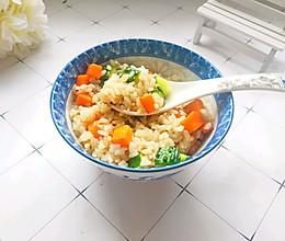 #快手又营养,我家的冬日必备菜品#蔬菜炒米饭的做法