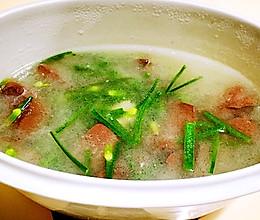 夏日的一抺红---猪红韭菜汤的做法