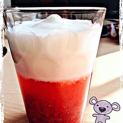 季节限定 草莓欧蕾~ 超多果肉 好吃!
