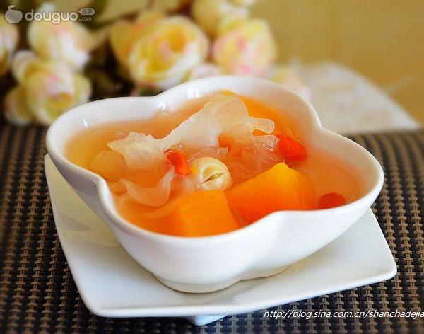 木瓜银耳汤的做法