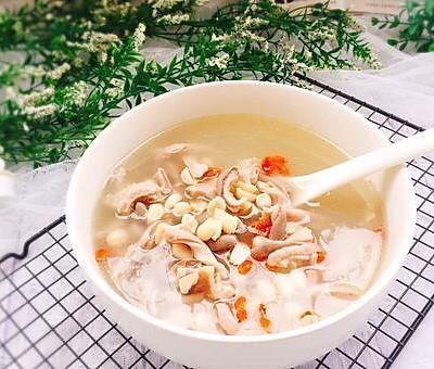 煲汤+花生枸杞子猪肚汤