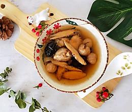 立冬后多喝这碗暖身汤,让你气血足手脚不冰凉——黄芪暖身鸡汤的做法