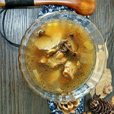 山药榛蘑炖鸡汤